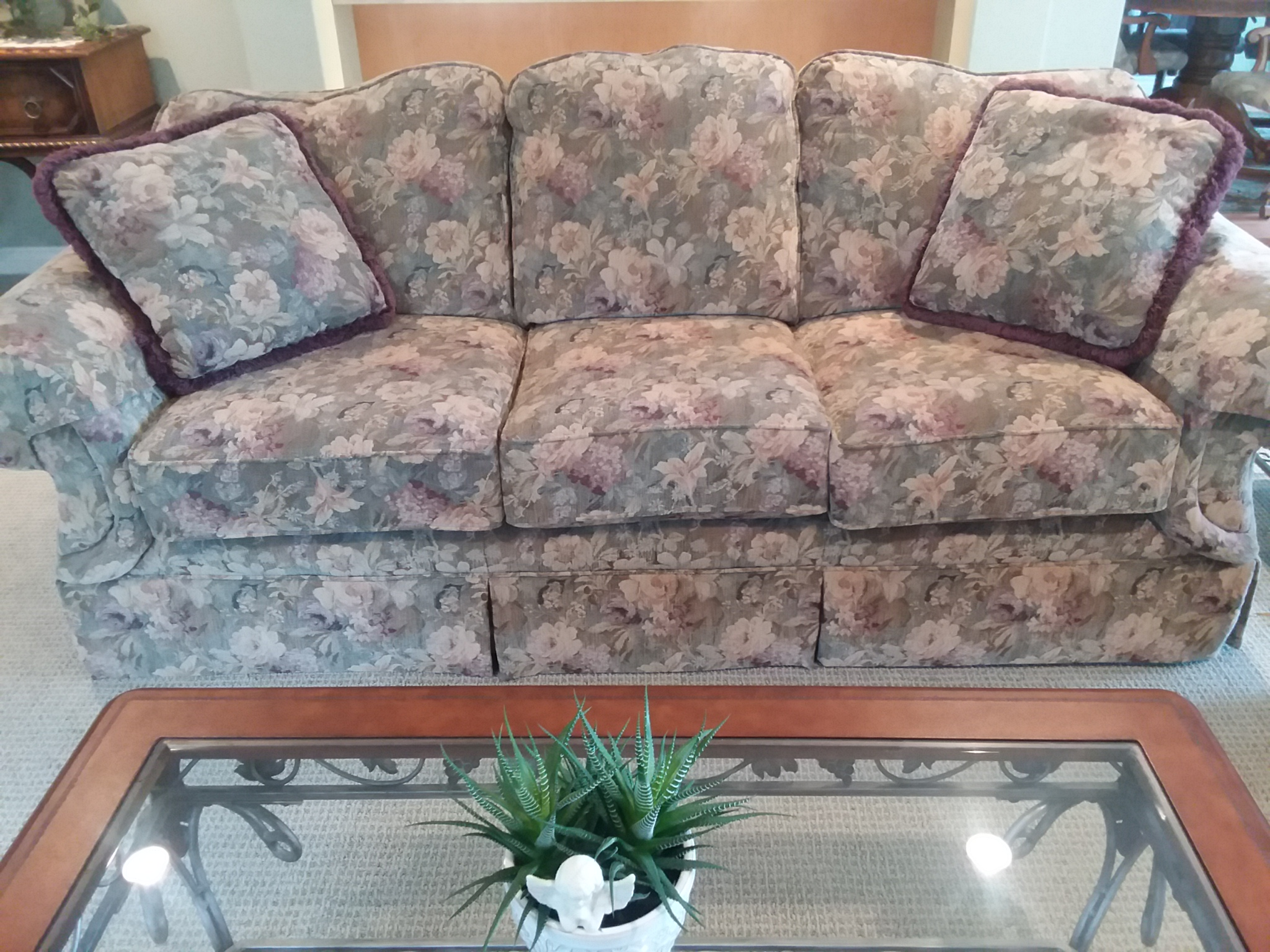Willmar MN – Like Brand New Couch And Love Seat (8789